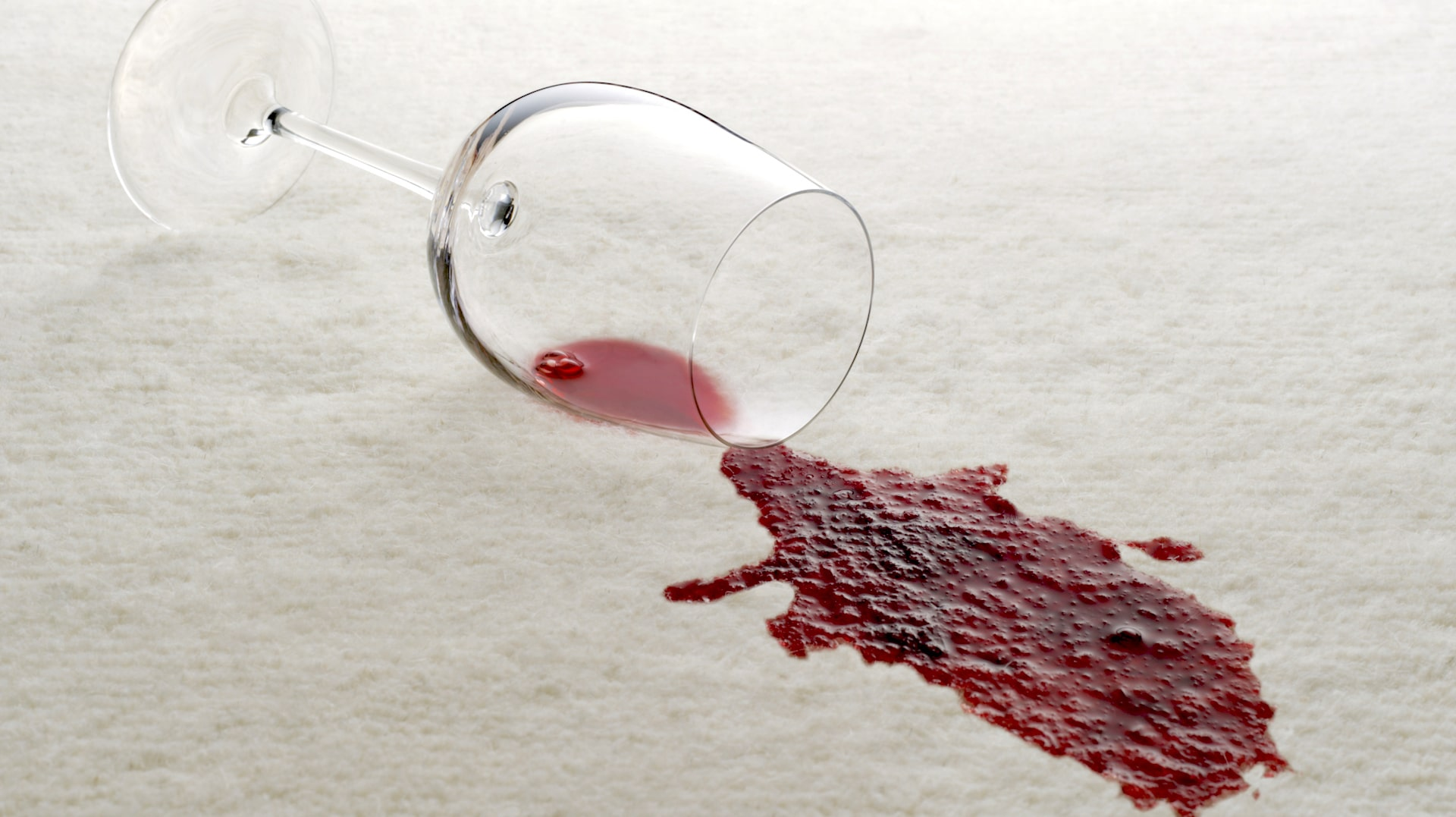 Combine The Ings In A Spray Bottle To Remove Red Wine Stains On Carpet